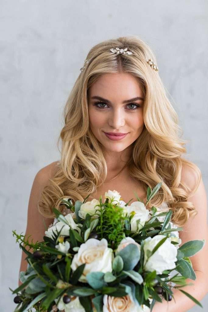 Brides and Hairpins Aubree Halo